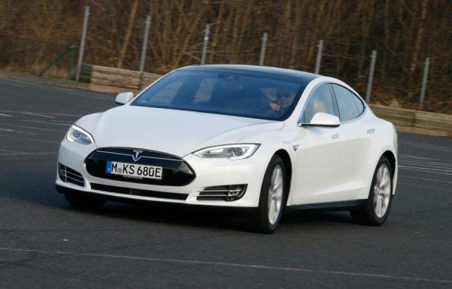 Tesla Model S 005