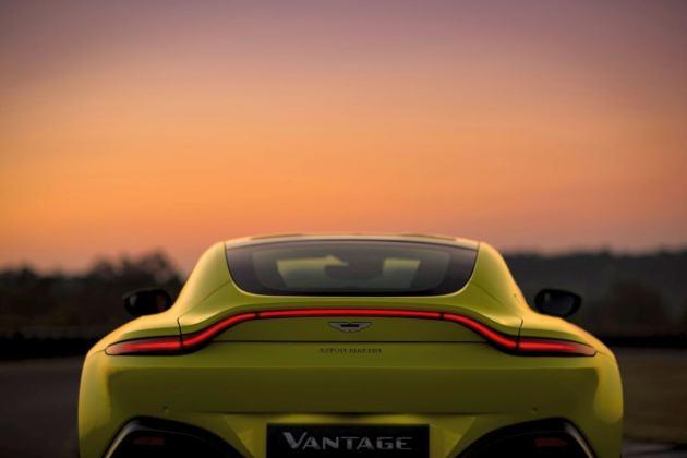 Aston Martin VantageLime Essence12 jpg