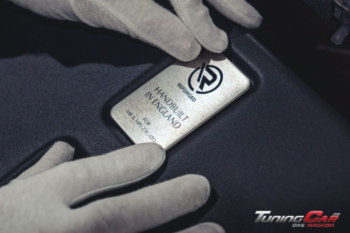 Aston Martin Vantage V12 Zagato Heritage TWINS by R Reforged plate