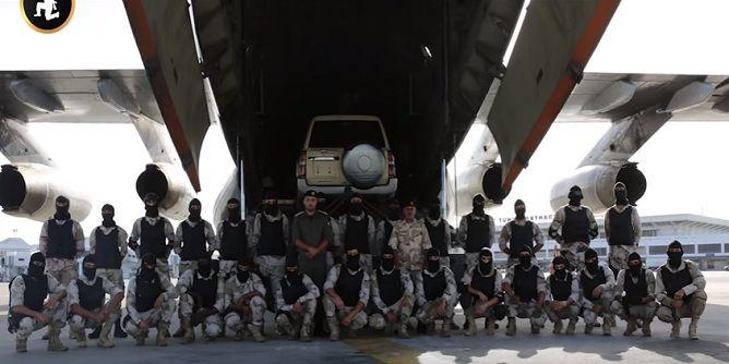 خليفة حفتر يستفز مشاعر التونسيين باصطحاب 30 مسلح من القوات الخاصة إلى مطار قرطاج