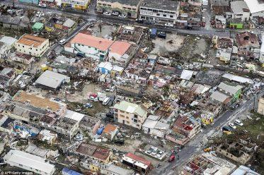 طائرة تلتقط صورة كارثية لما خلفه إعصار إيرما من دمار