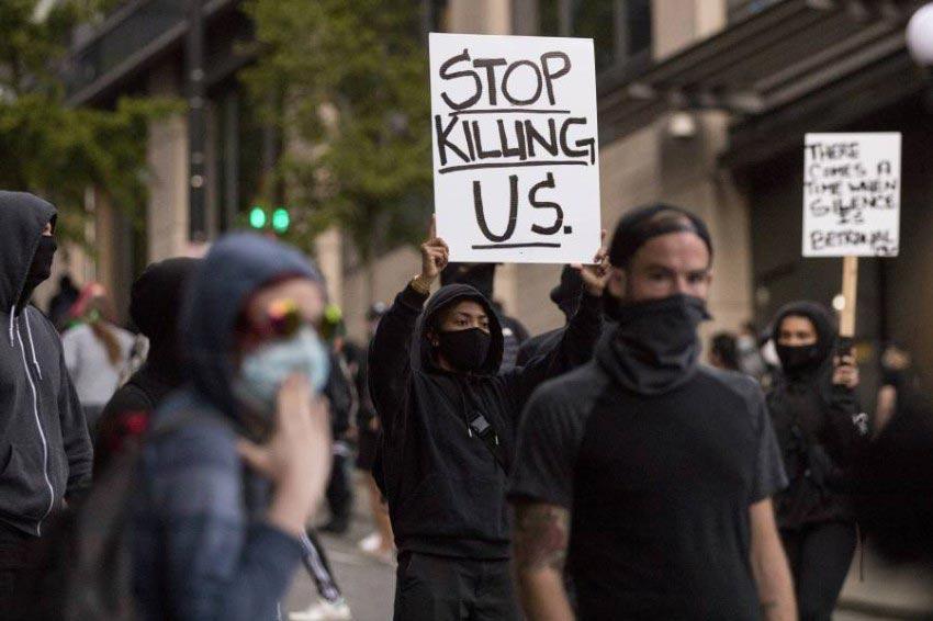 المظاهرات الغاضبة تصل واشنطن