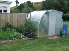 Side and front view of a 2.5m Morrifield Dynamic Growing Tunnel