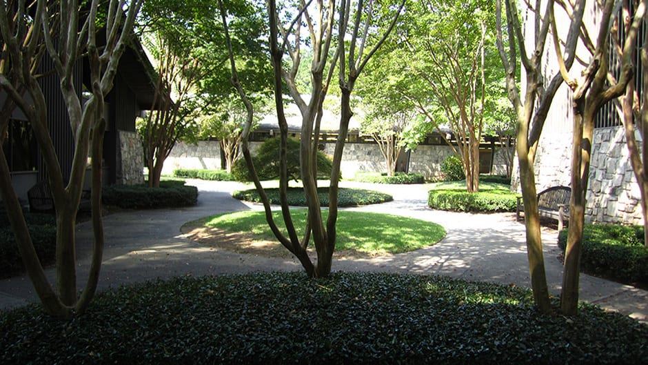 The courtyard at Northwest Presbyterian Church in Atlanta, GA designed by Tunnell and Tunnell Landscape Architecture.