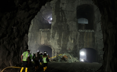 Tunnel collapse at Ecuador's Coca Coda Sinclair hydro project kills 13. injures 12 - The Tunnelling Journal