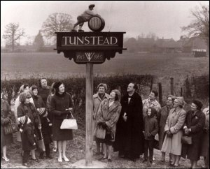 Unveiling Tunstead Village Sign