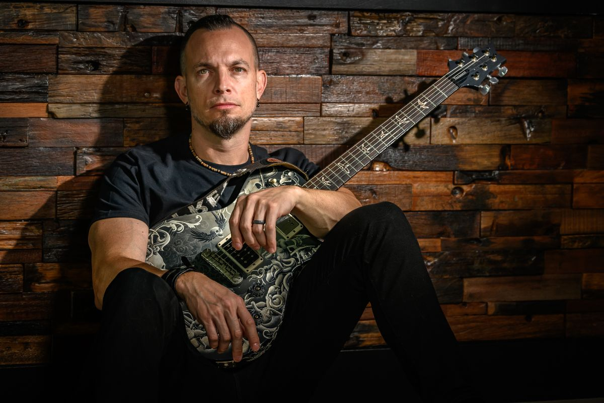 """Tremonti Releases Music Video for Album Title Track, """"Marching In Time"""""""
