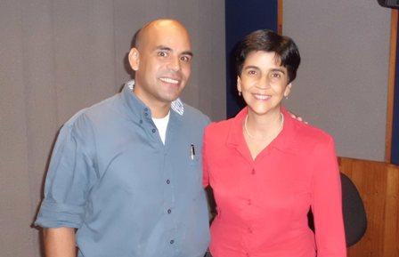 Marisela Valero con el Dr. Manuel Avilán, Médico veterinario
