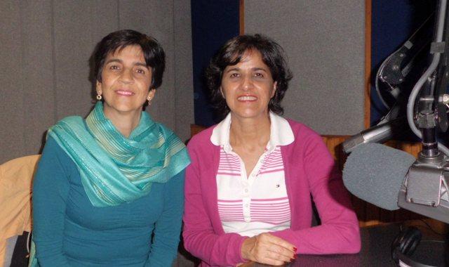 Marietta Perroni con Marisela Valero en el estudio de Unión Radio