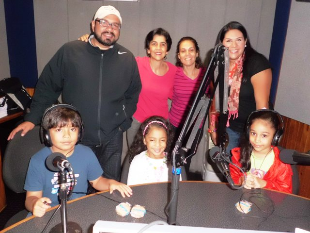 Yohara y Andrés, los papás de Dana y Daniel, Immaculada Sebastiano, la tía de Valeria, junto a Marisela Valero