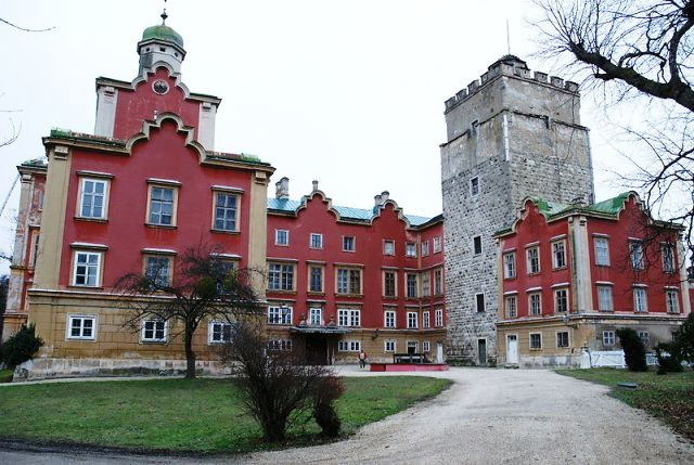 Schloss-Prugg_frontside