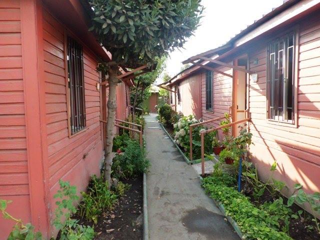Las casitas donde residen dignamente los adultos mayores en la Villa del Padre Hurtado, foto Marisela Valero