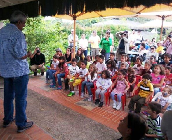 Frankin Rojas Suarez, autor del libro Animalitos Amenazados