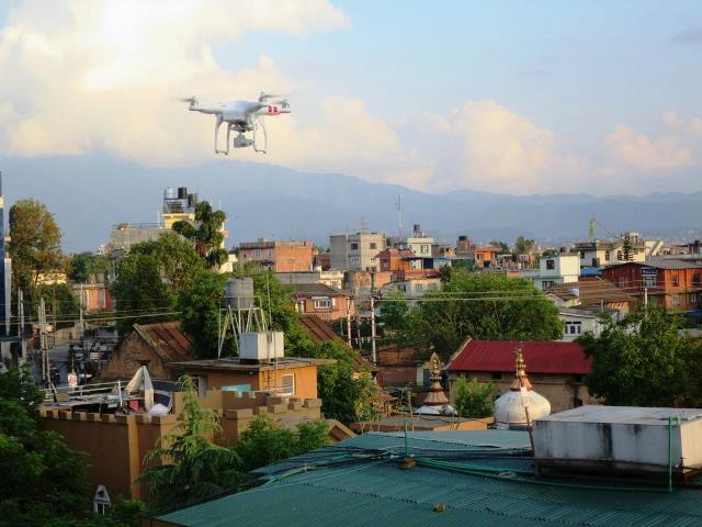 Drone sobrevuela Katmandu, Nepal