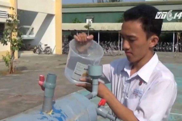 Nguyen Tan Loi, de 17 años, estudiante del Instituto Nguyen Dinh Chieu de la localidad de Ben Tre