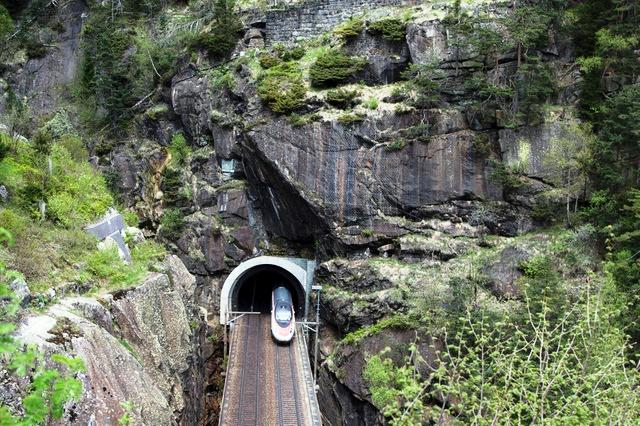 Prespectiva aérea del tunel de Saint- Gothard