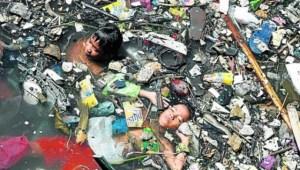 La contaminación de las aguas pone en riesgo la vida