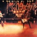 Kiss, la banda más caliente del mundo o la banda que reinventó la industria de la música.