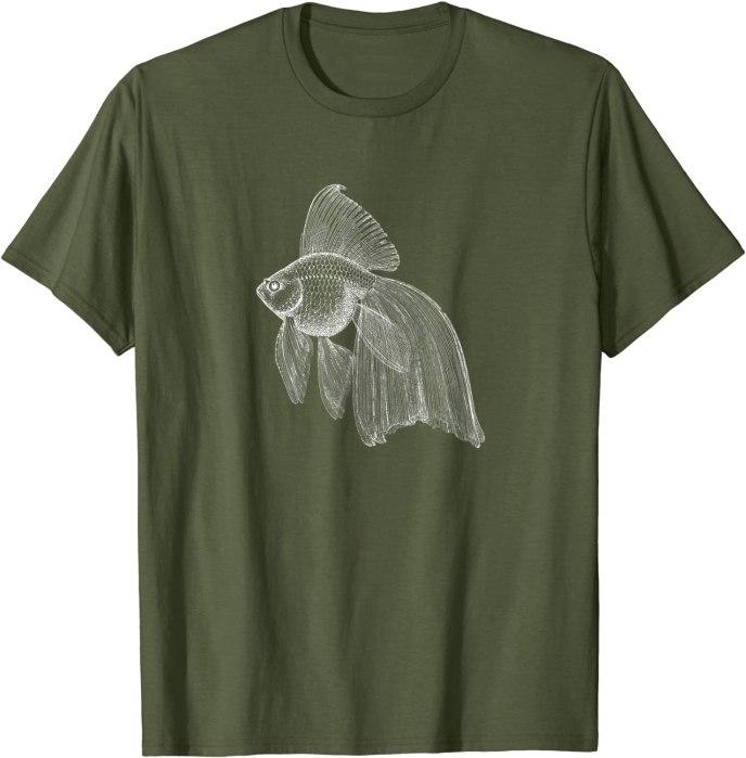 Vintage Retro Japanese Fringetail Goldfish Design T-Shirt