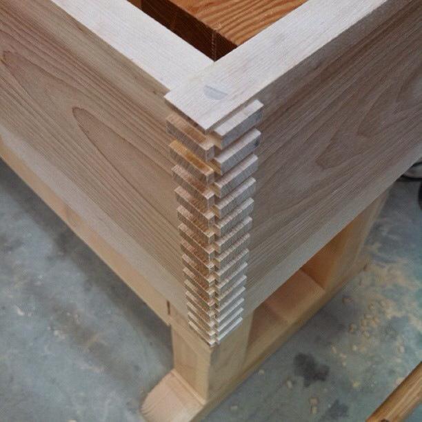 06-leaning-shelf-ryan-turek