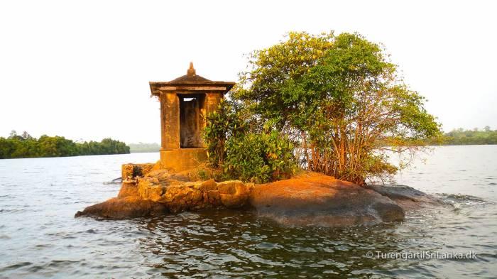 Satha Paha Doowa - Madu Ganga River