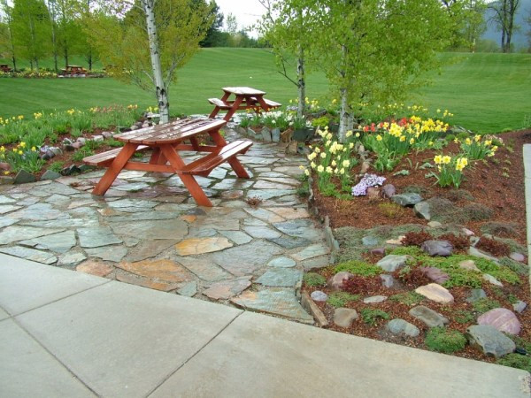 natural rock walkways & patios