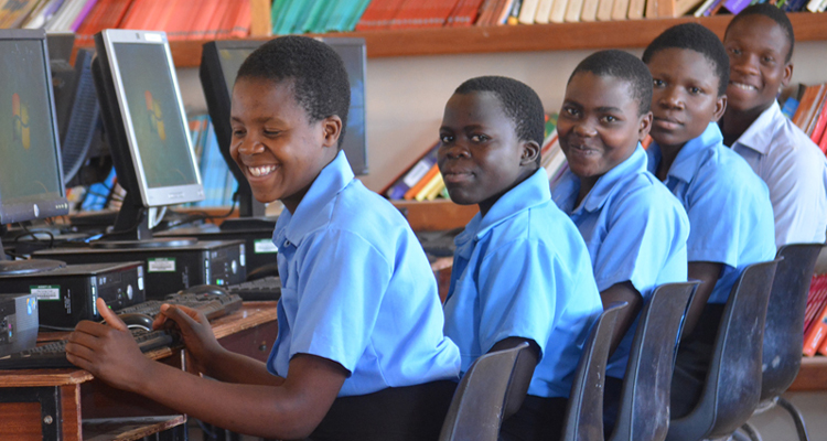 Students in computer lab, Mphompha Community Day Secondary School