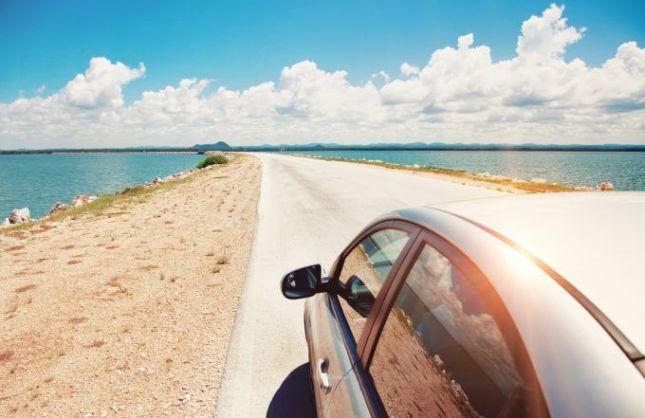 Sugerenciaspara ahorrar mientras viajas seguro por carretera