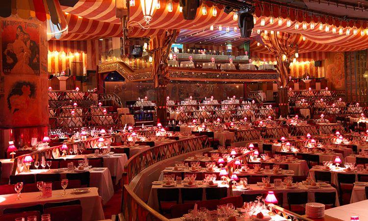 Vale a pena visitar o Moulin Rouge