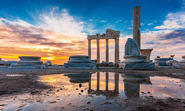 melhor epoca para turistar na grecia