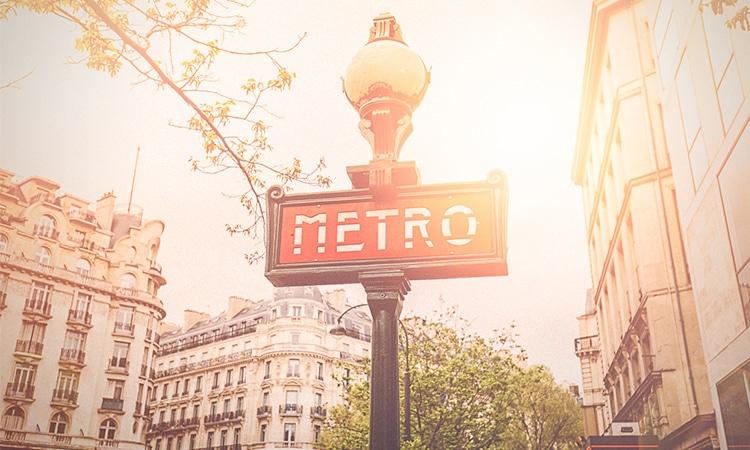 metro transporte público em paris