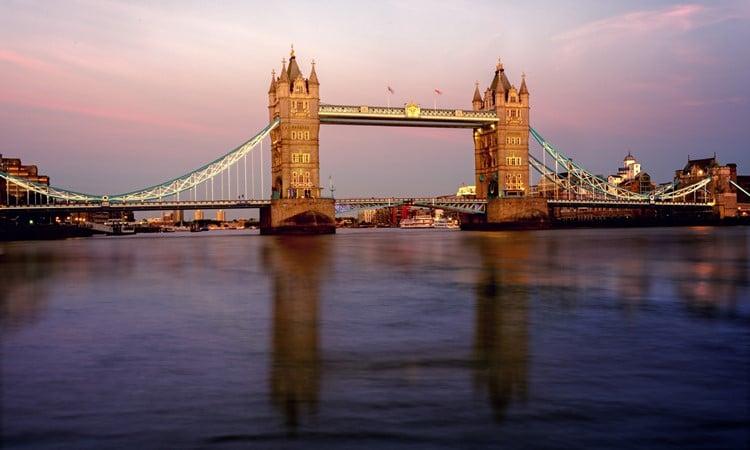 melhores reveillons na europa tower bridge