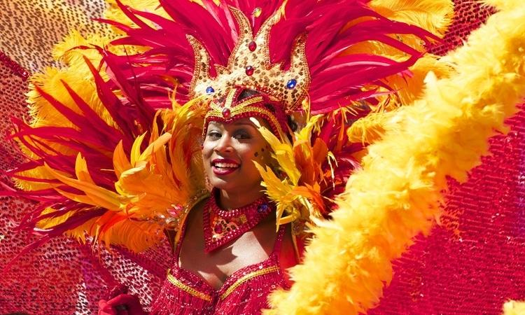 Desfile das escolas de samba Notting Carnival