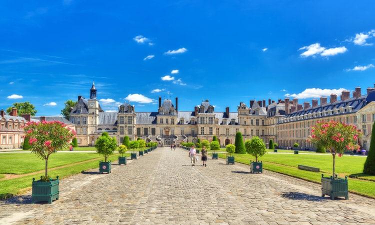 cidades perto de paris fontainebleau