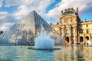 30 anos da piramide do louvre