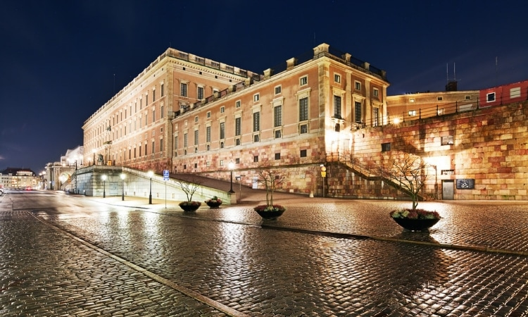 palacio real estocolmo noite
