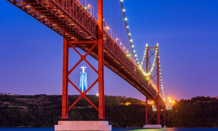 Cristo Rei em Lisboa ponte