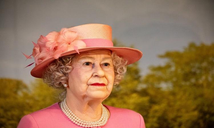 madame tussauds imagem de cera rainha elizabeth ii
