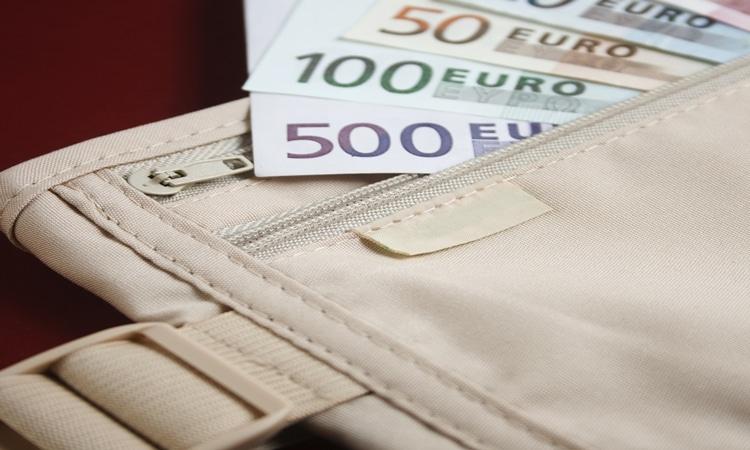 Onde guardar dinheiro na viagem doleira