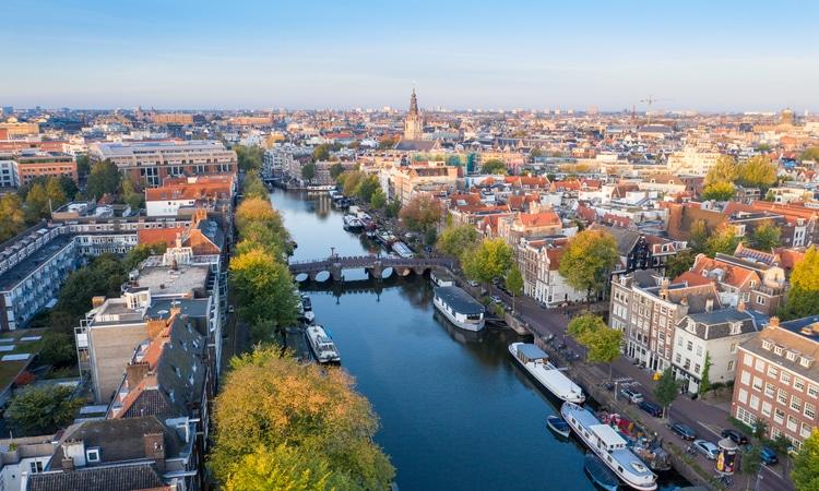 Passeios de barco em Amsterdam canais