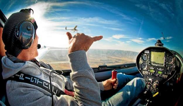 LIBRES. En motovelero, ala delta a motor, tándem o aeronave, los cursos están disponibles para todos, sin restricciones. Foto: PERFIL