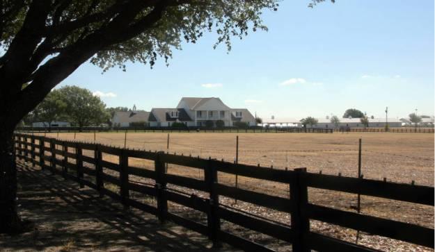 """El Southfolk Ranch, lugar de rodaje de la serie de televisión """"Dallas"""". Foto: Verena Wolff/dpa"""