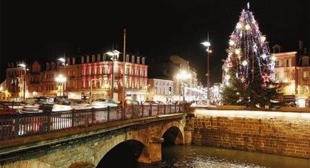 Navidad de luces y plumas en Arles