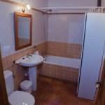 Baño con bañera 2ª planta - Casa Rural El Centro - Beceite