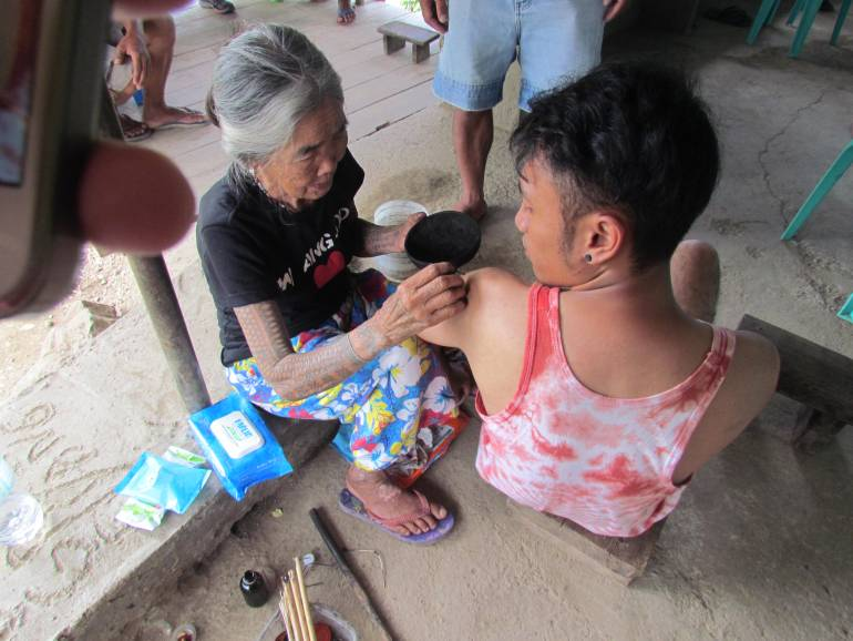Tattoo session with Apo Whang-Od - Buscalan, Tinglayan, Kalinga