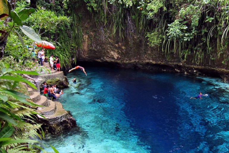 Hinatuan Enchanted River, Surigao Del Sur (photo by Erwin Mascarinas) | Turista Boy