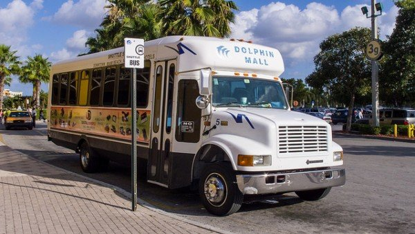 Transporte del Dolphin Mall. Foto: Ed Webster