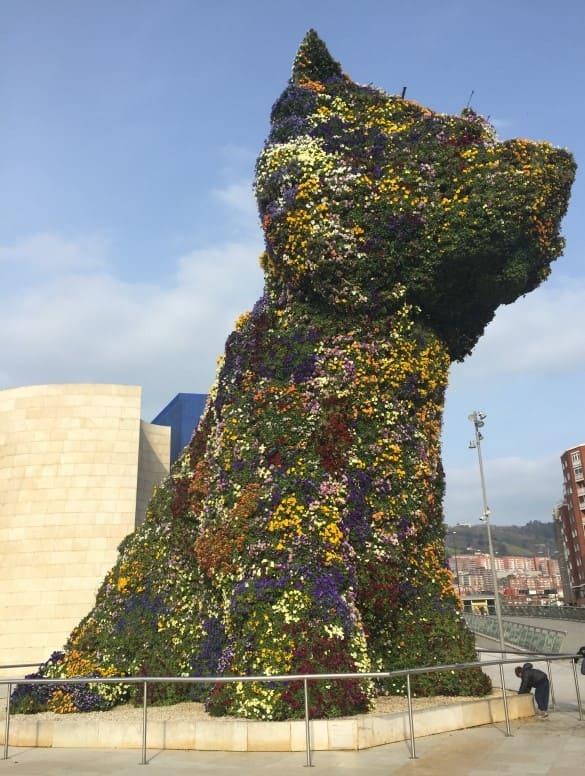 Roteiro de 3 dias em Bilbao: escultura do cachorro Puppy.