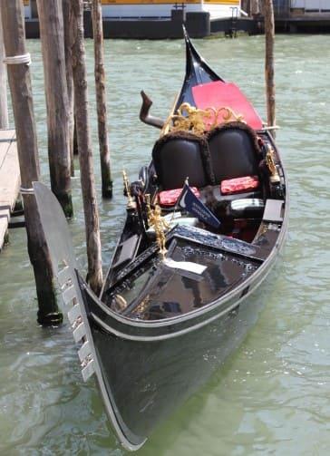 Gôndola de passeio em Veneza
