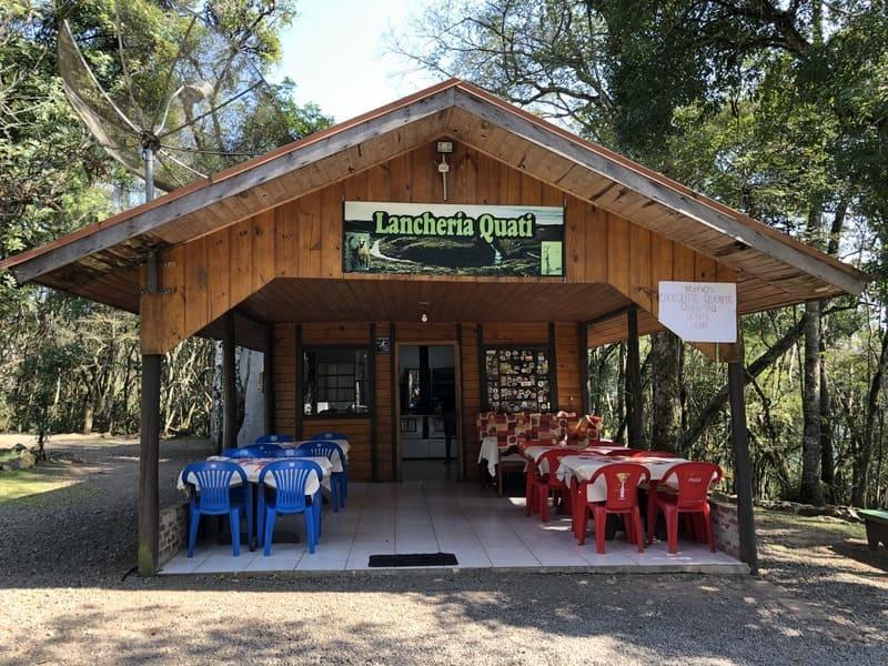 Lanchonete Quati no Parque da Ferradura.